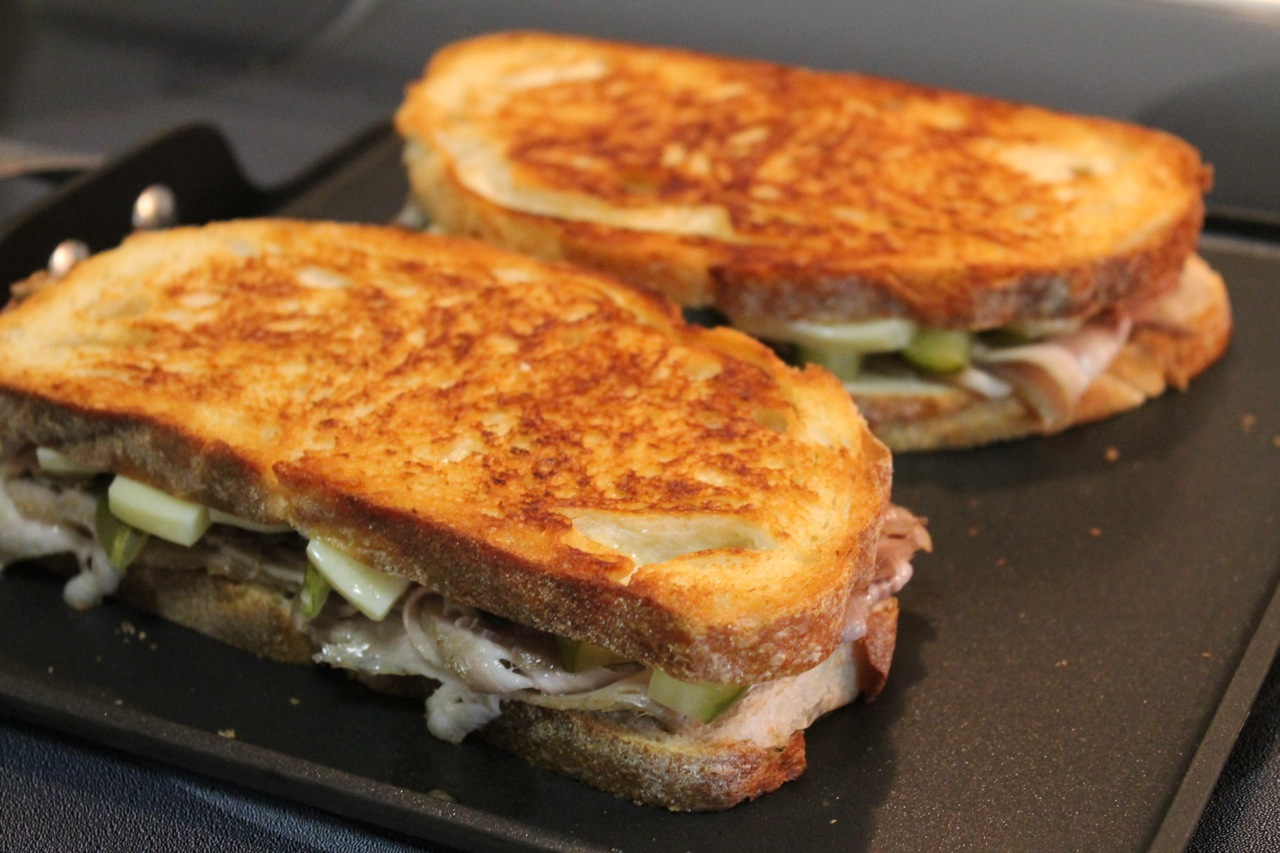 cuban sandwich makes 2 sandwiches 4 slices crusty sliced sandwich