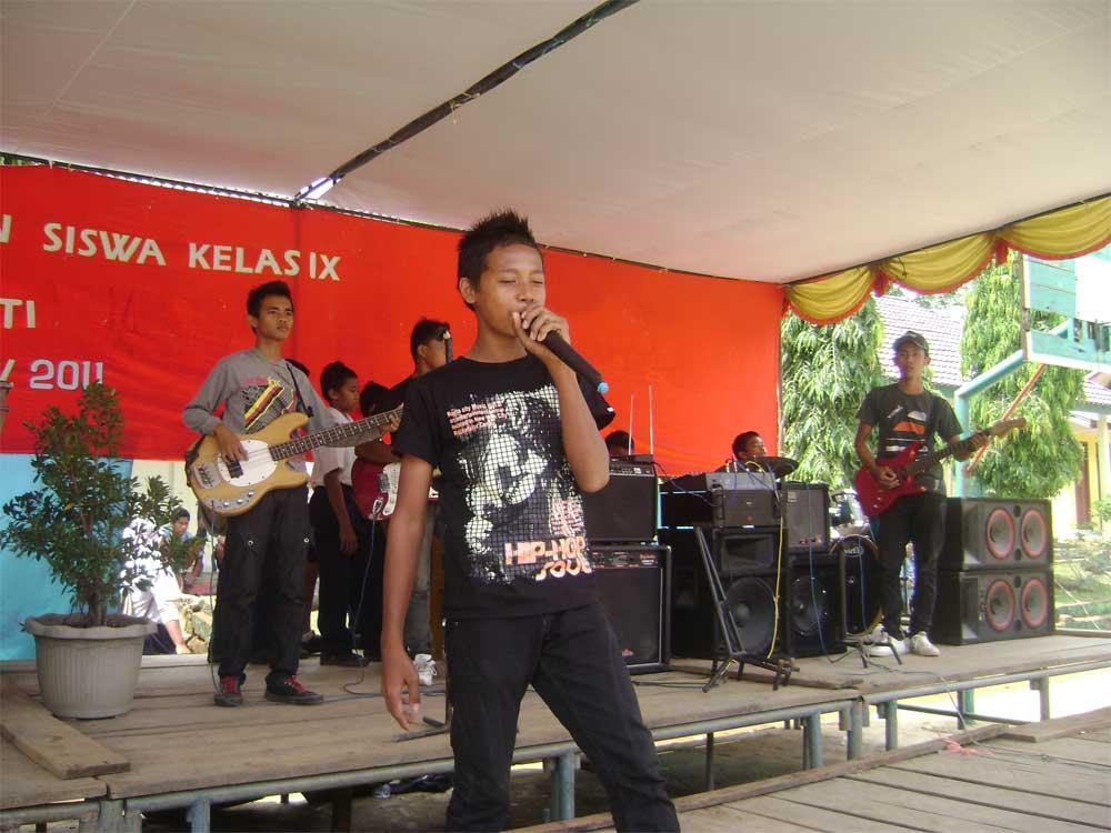 Perpisahan Siswa 2011 Hiburan 05