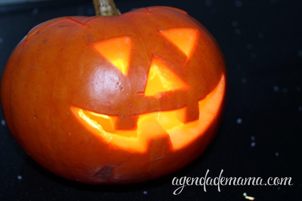 Calabaza de halloween iluminada