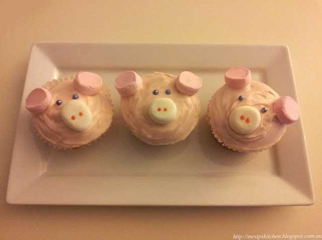 how to make a piggy nose and ears
