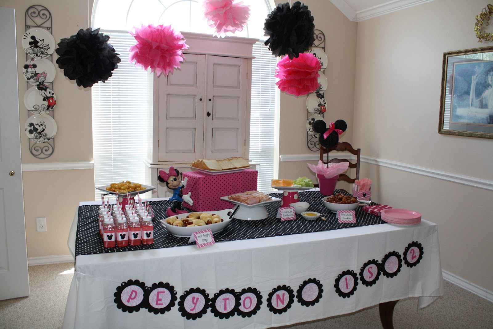 Pink And Black Minnie Mouse Decorations Little Bunny Suesue Peyton Is 2 Minnie Mouse Birthday Party Part 1