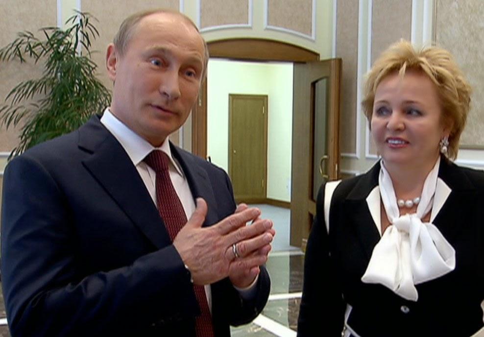 http://www.vg.no/nyheter/utenriks/russland/putin-offisielt-skilt-fra-kona/a/10146978/
