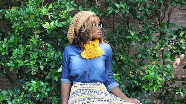 DIY: How To Crochet A Neck Scarf // Free Crochet Pattern.