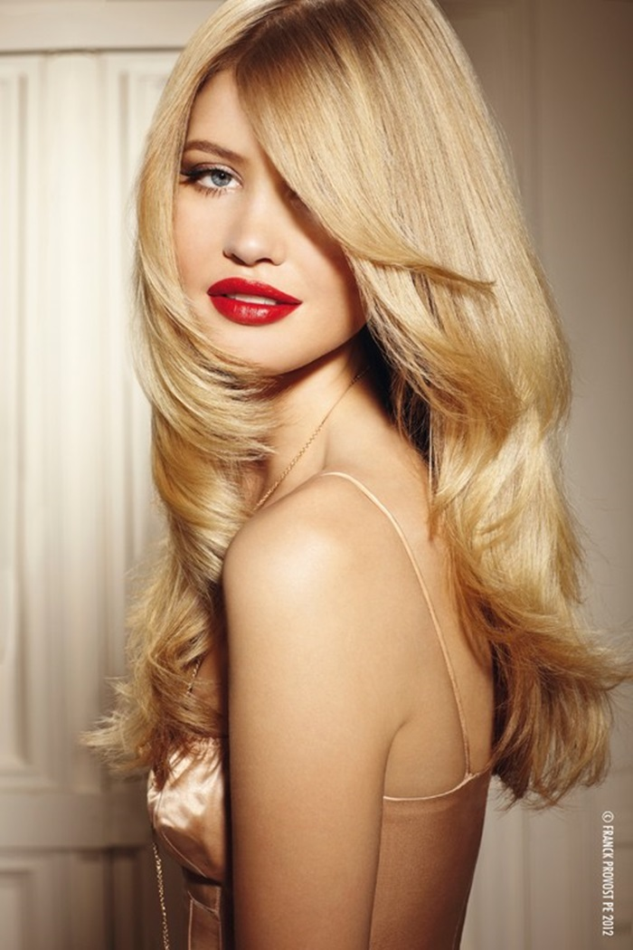 long layered hairstyle, blonde