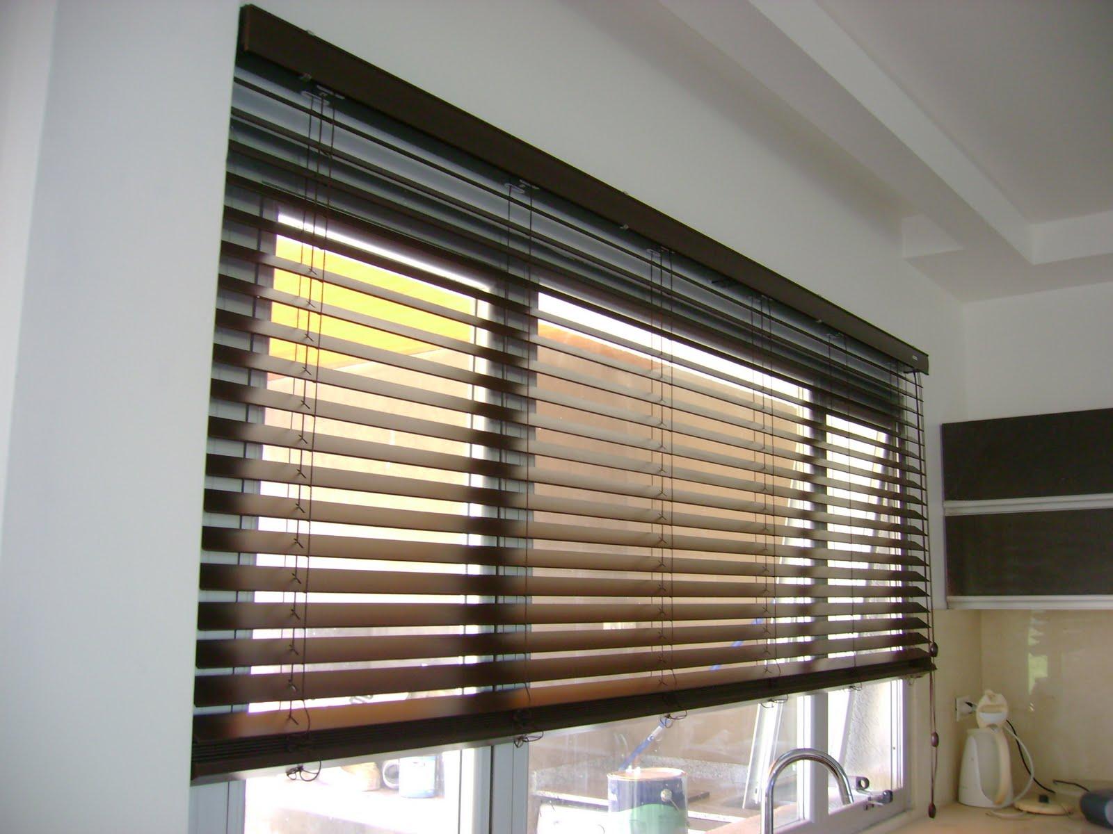 Rosario vouillat ambientaciones deco cortinas - Cortinas venecianas madera ...