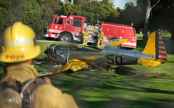 bomberos accidente aereo harrison ford avion estrello muerto