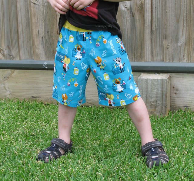 Oliver + s - Sunny Day Shorts - Pattern Review by Threading My Way