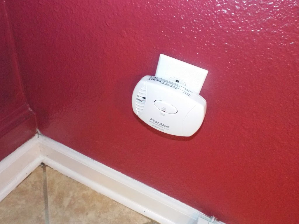 Plug in Carbon Monoxide Detector in Pensacola Home