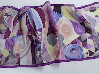 Ideális ajándék Húsvétra a Silkyway selyemfestő műhelyből.