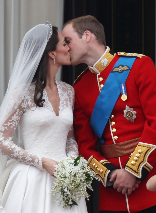 kate and william kissing. kate middleton kissing william