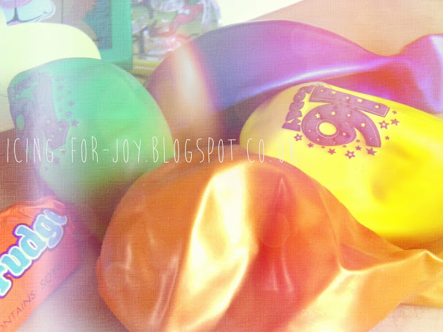 DIY: party through the mail - icing-for-joy.blogspot.co.uk