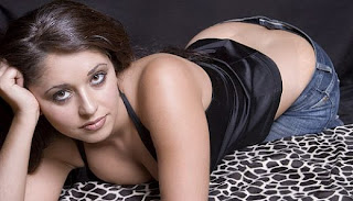 Mumbai Model Reena Hot Photos