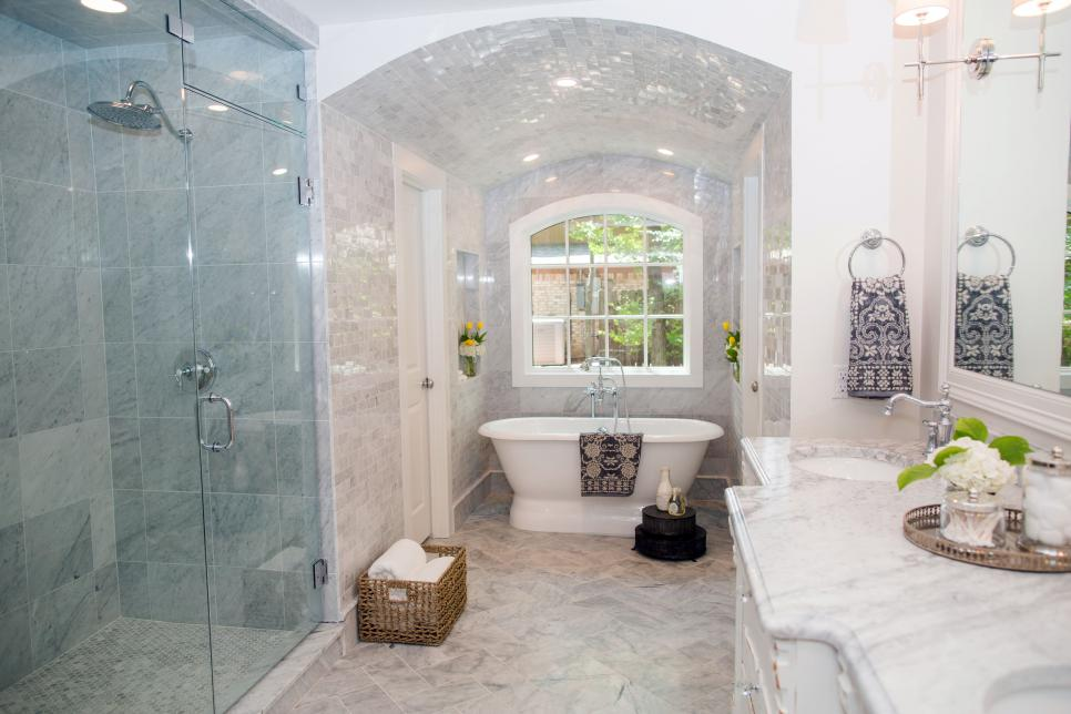 Jessica stout design as seen on fixer upper house in for Bathroom seen photos