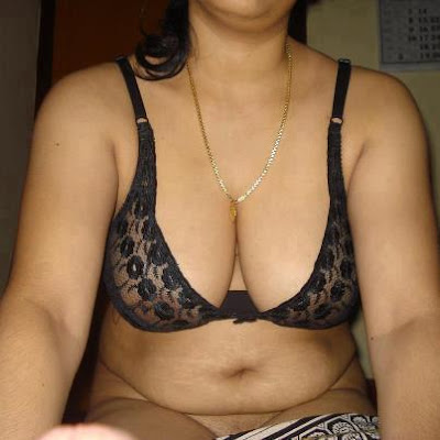Hot-Pakistani-Aunty