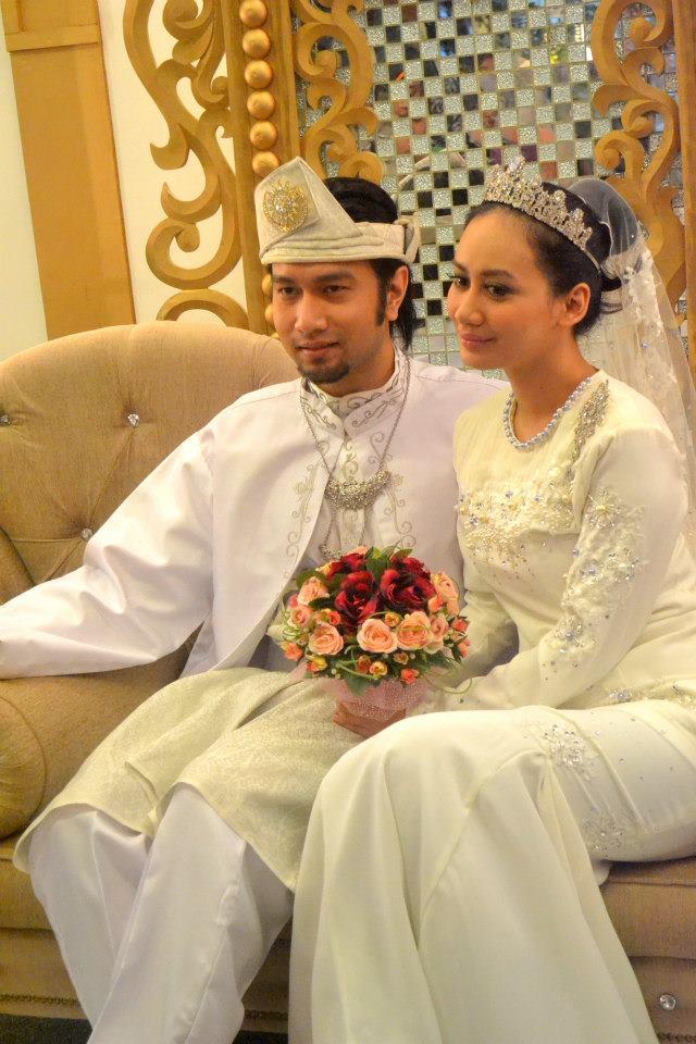 untuk mengenakan Nia, akhirnya Fareth terpaksa berkahwin dengan wanita