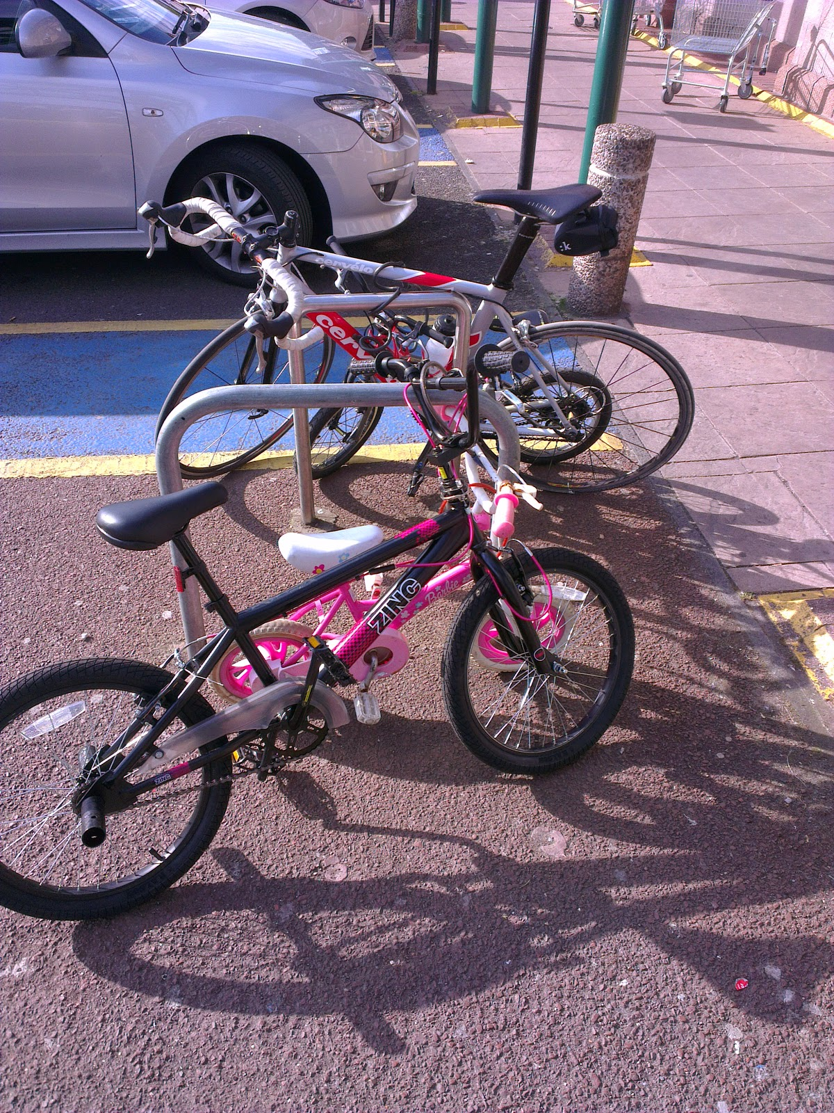 Bike parking provision at Morrisons Pollokshaws