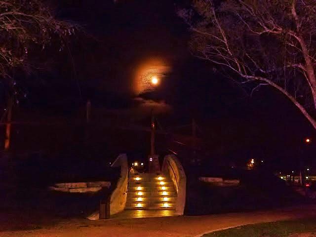 Ночь, луна, мост...Night, the moon, the bridge ..