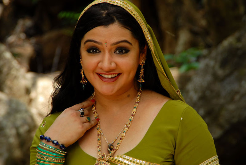 Actress Aarthi Agarwal Stills Gallery glamour images