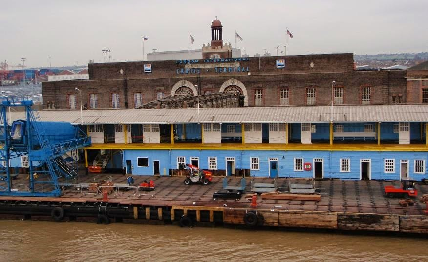 how to get to tilbury docks