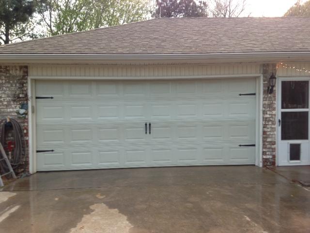 Blinds designs too faux carriage garage door for Faux carriage garage door