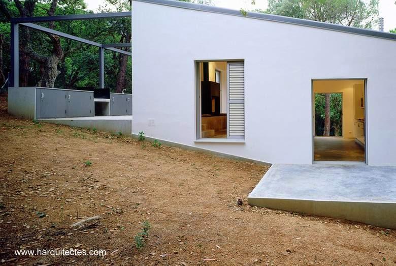 Casa contemporánea en desniveles en Girona