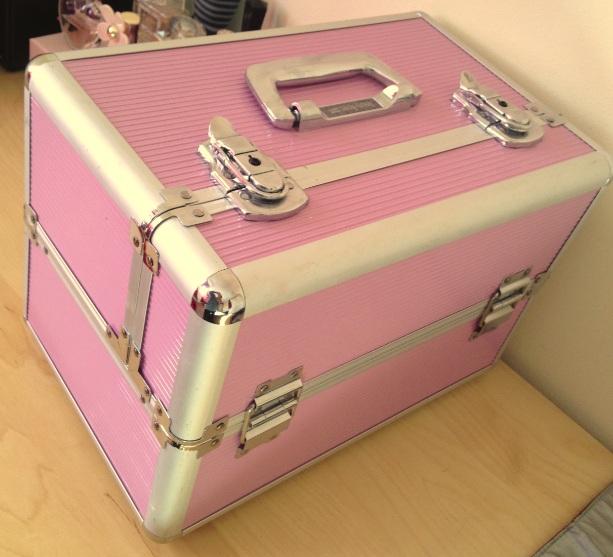 dragon mommy my make up storage box. Black Bedroom Furniture Sets. Home Design Ideas