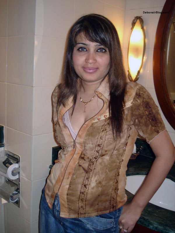 Desi delhi babe making love