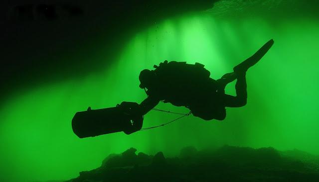 Mergulho em Caverna