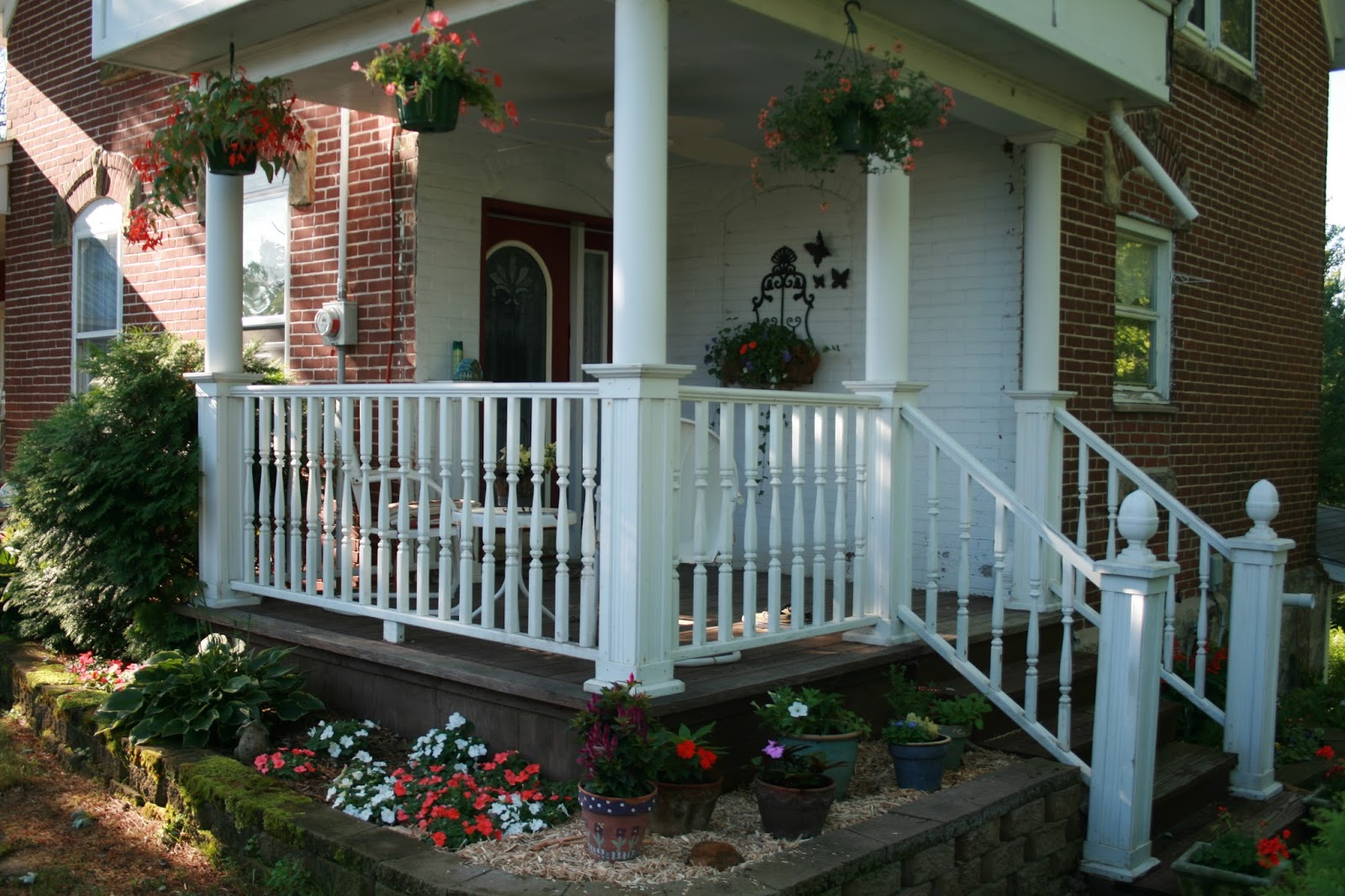 Amy\'s Creative Pursuits: Country Porches and Scattered Flowers