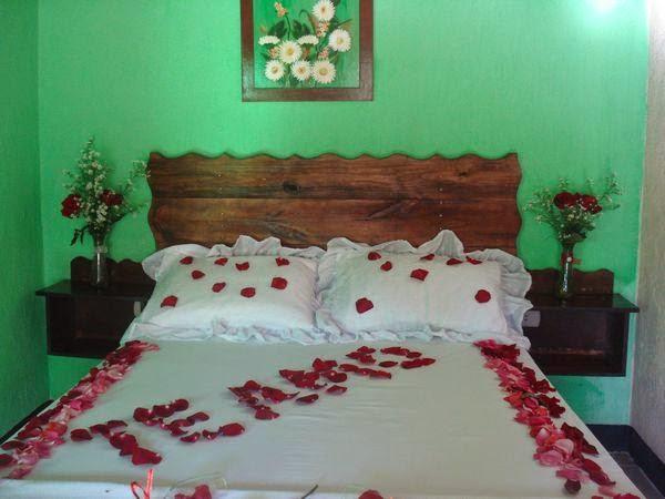 Imagenes para decorar camas y mesas romanticas en san for Decoracion de habitacion para una noche romantica