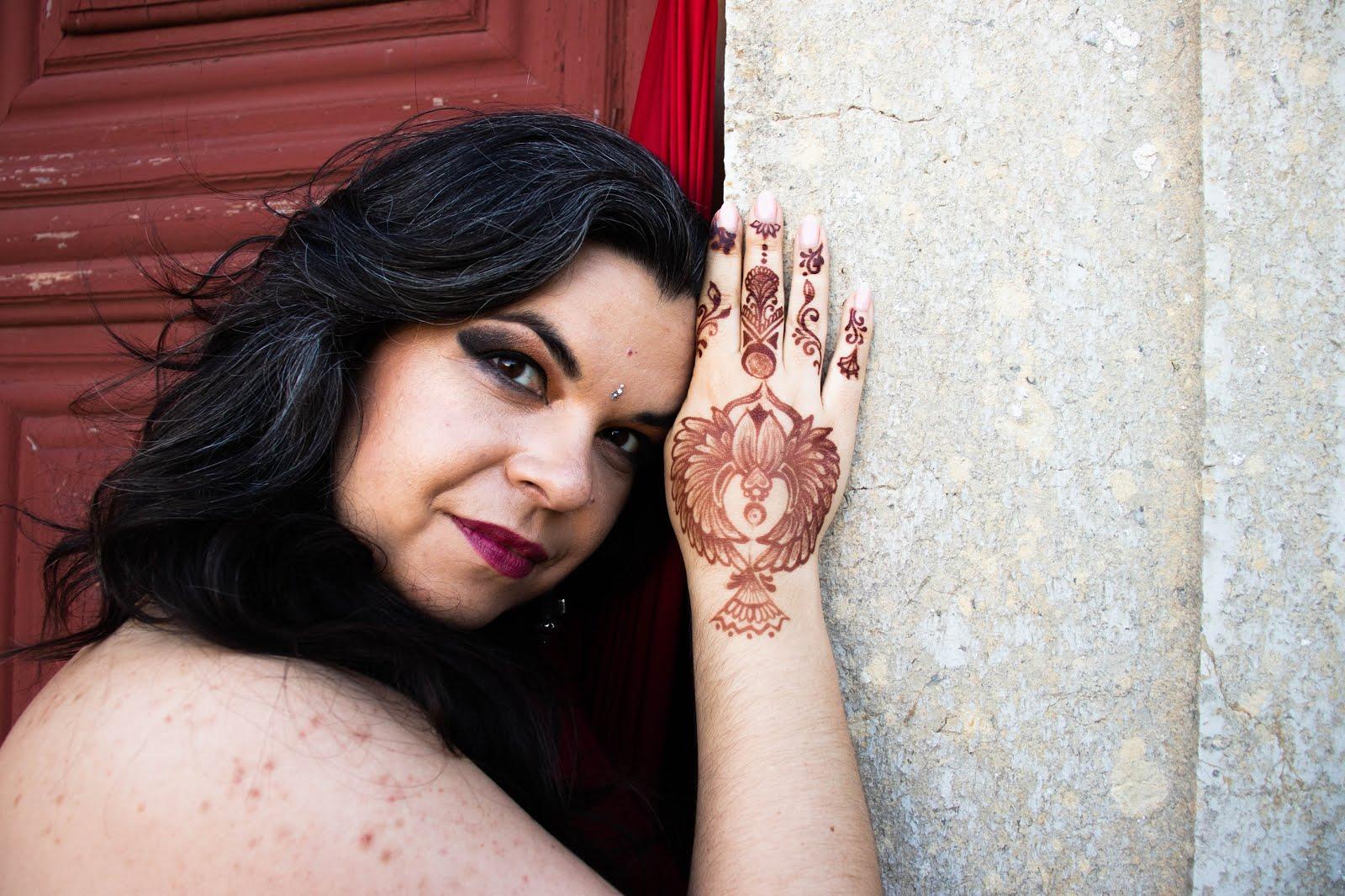 Sara Naadirah - Oriental Dancer/Artist/MasterTeacher