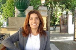 Carmen Hernández apoya la iniciativa legislativa popular para asegurar los retos futuros de Canaria