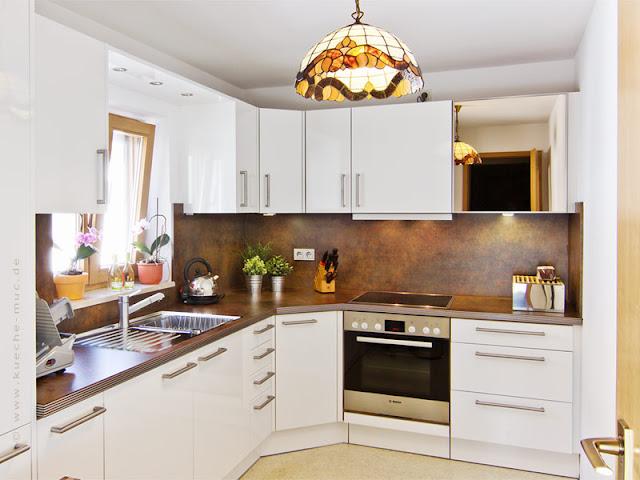 Eine renovierte Einbauküche - sieht aus wie neu!