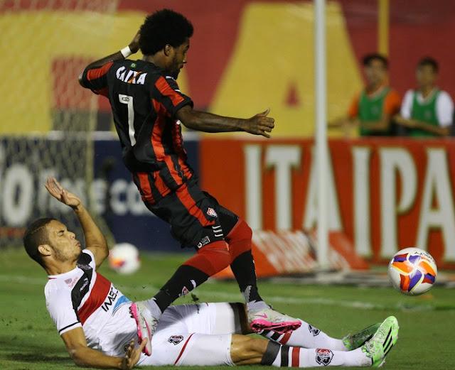Vitória vence o Santa Cruz e termina 1º turno na liderança da Série B