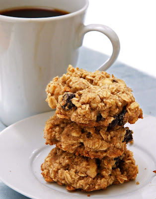 hanna's vegan kitchen: gluten-free oatmeal raisin cookies