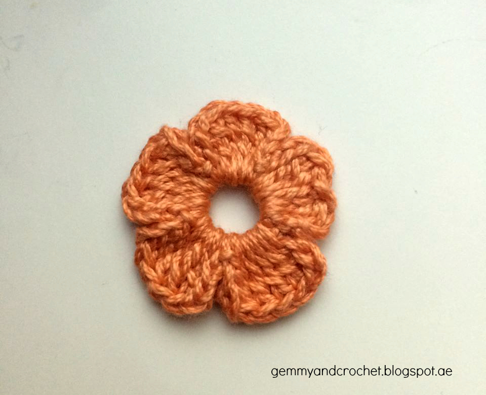 5 petals flower crochet, flower embellishment, flower crochet, crocheting flowers for embellishement