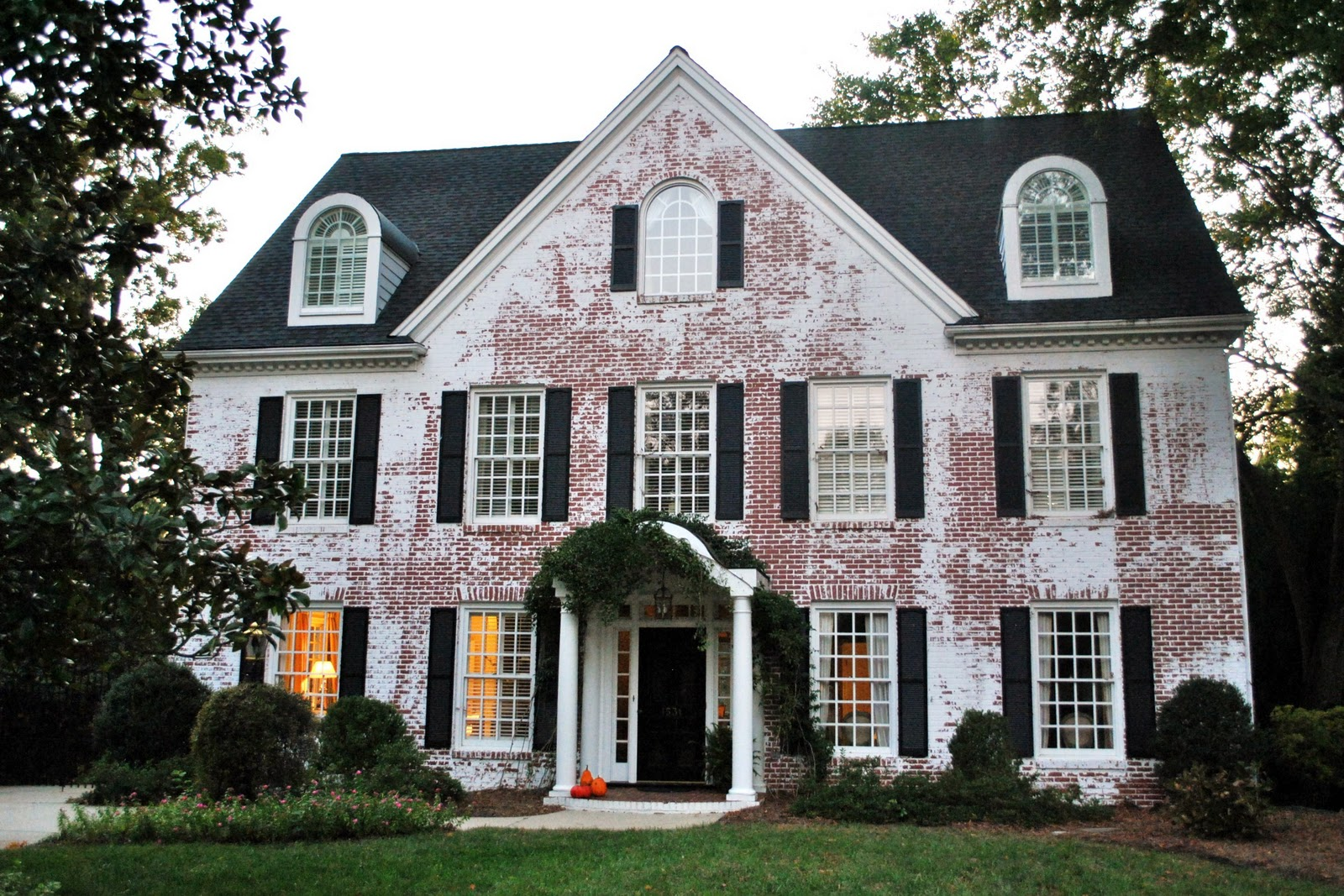 Sophia 39 s raleigh historic home walking tour White painted brick exterior