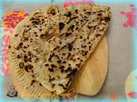 Cassoni con prosciutto crudo e mozzarella