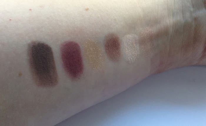 Colour Impact Eyeshadow Palette in 01 Lounge Warm Tones, collezione Dark Heroine swatches