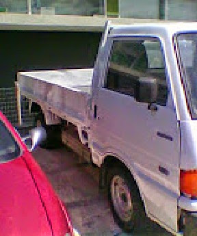 MAZDA  E 2200 DISEL χρώμα άσπρο  τιμή 4000 €