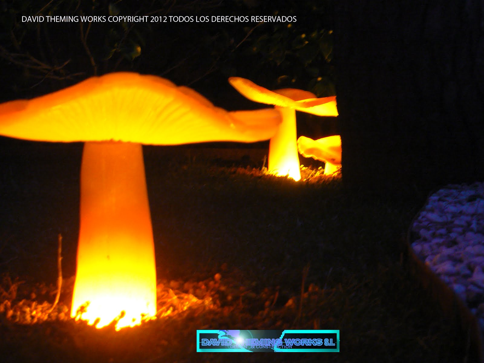 Garden lighting iluminaci n de jardines tematizacion - Iluminacion de jardin ...