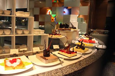 dessert buffet Radisson Blu Cebu