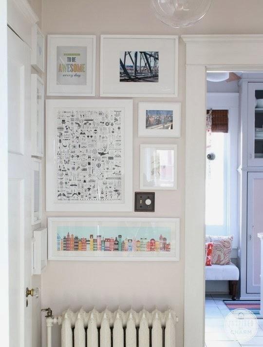 composição de quadros no cantinho da casa