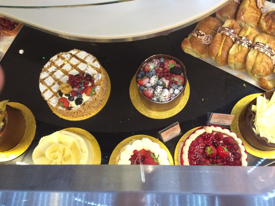 patisserie, pastries, cakes, food, dining, blogger, cafe