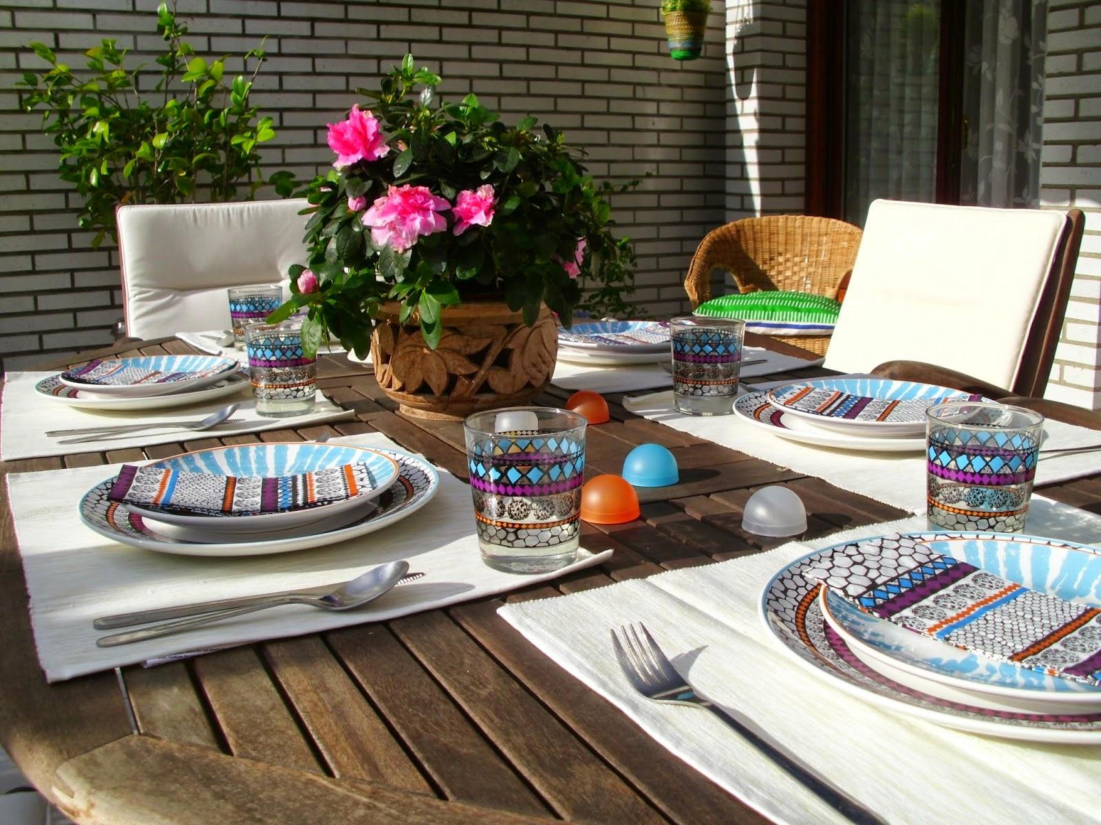 Decoraci n f cil decorando la mesa con la nueva vajilla de ikea driftig - Decoracion con ikea ...