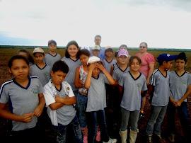 """Jezaine e seus alunos do 4º Ano """"A"""""""