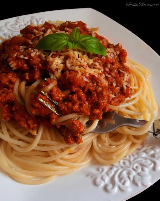 Makaron z Sosem Bolońskim (Spaghetti Bolognese) - Przepis - Słodka Strona