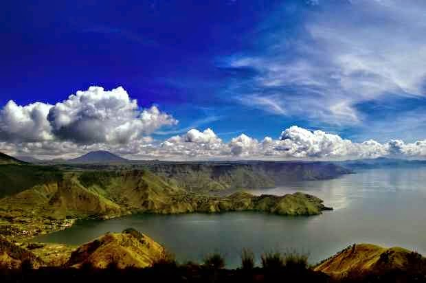 Danau Toba - Tempat wisata terkenal di Medan