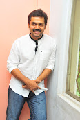 Karthi at Oopiri Pressmeet-thumbnail-2