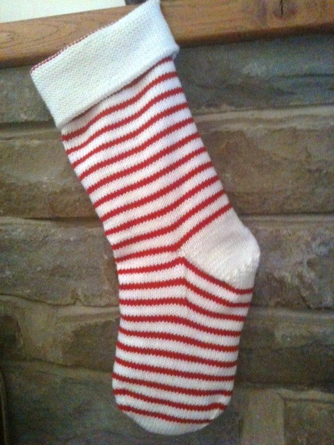 The millamia blog christmas stockings candy cane is super easy and a good quick knit i again used traditional christmas colours scarlet and snow but i think this pattern in particular could solutioingenieria Gallery